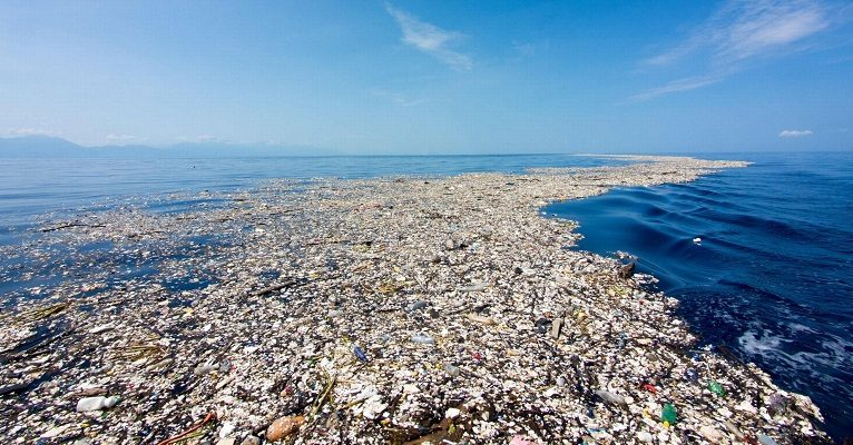 plastic waste in ocean